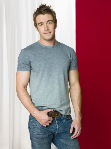 robert-buckley-lipstick-jungle
